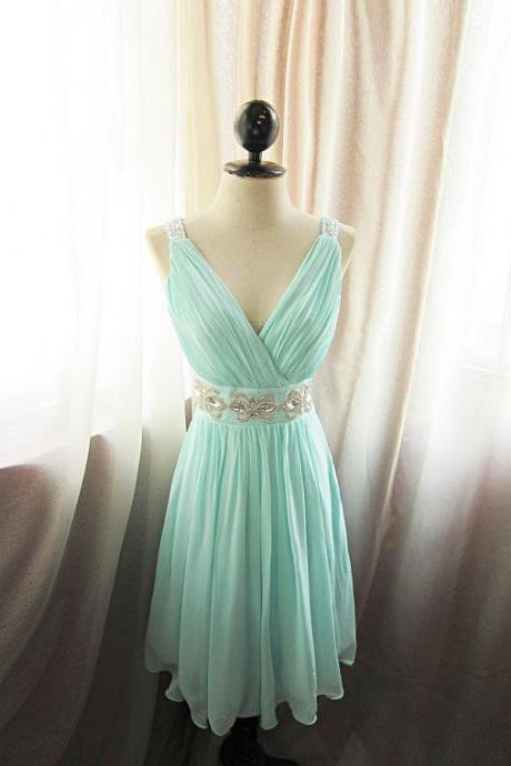 Mint Green Prom Dresses,Short Sexy V-Neck Bridesmaid Dress,Simple Chiffon Homecoming Dress,2017 Dresses